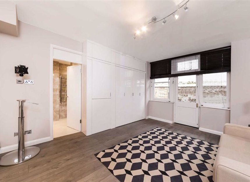 Properties for sale in Basil Street - SW3 1AX view4