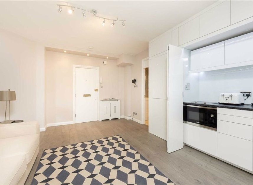 Properties for sale in Basil Street - SW3 1AX view3