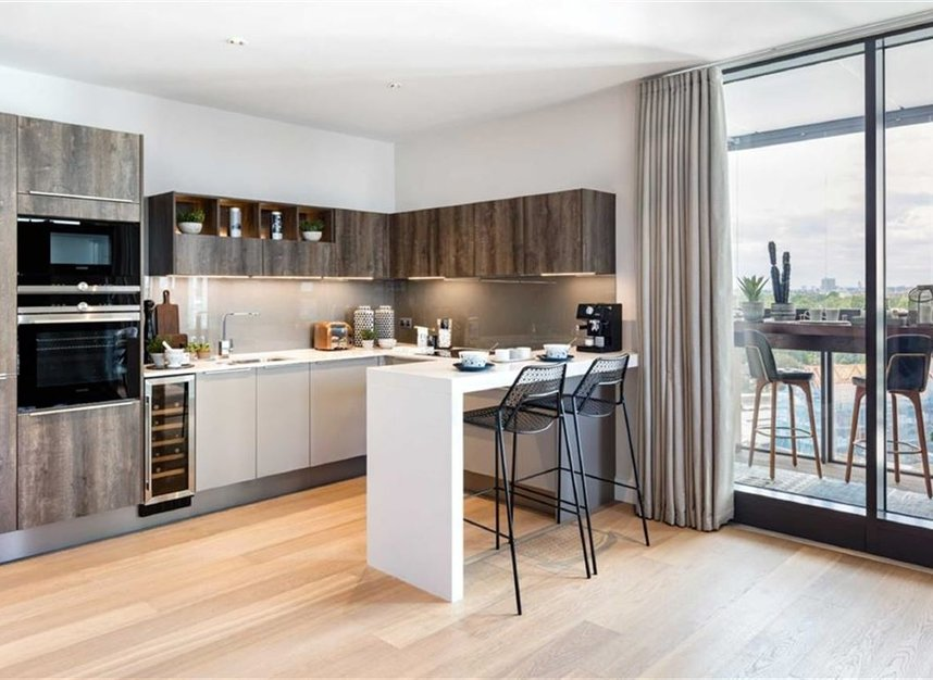 Properties for sale in Battersea Park Road - SW8 4LR view4