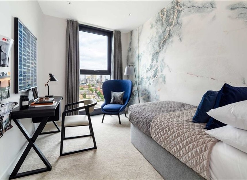 Properties for sale in Battersea Park Road - SW8 4LR view6