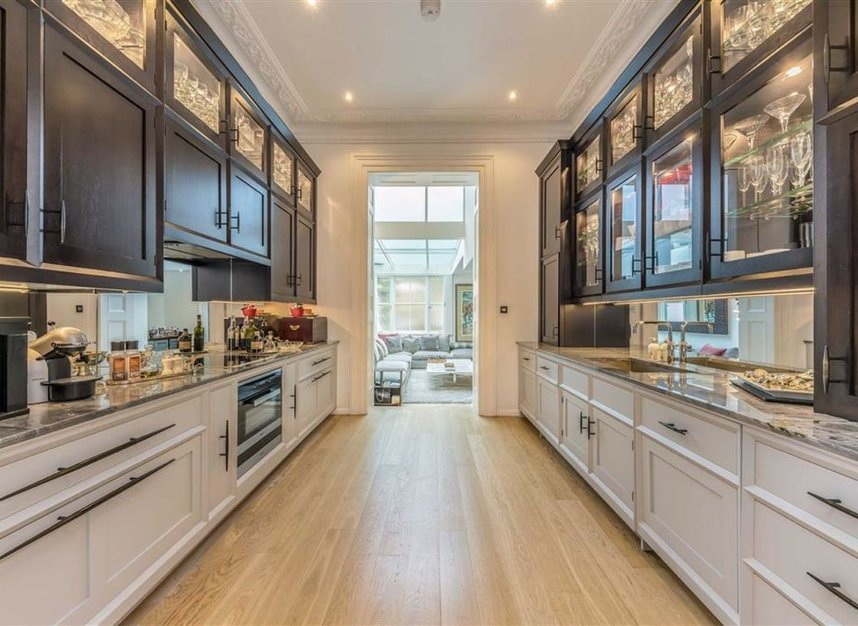 Properties for sale in Belgrave Road - SW1V 2BQ view4