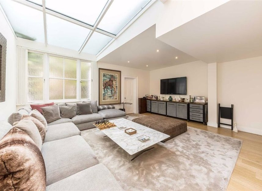 Properties for sale in Belgrave Road - SW1V 2BQ view5