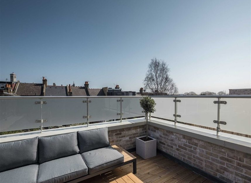 Properties for sale in Bollo Lane - W3 8QT view6