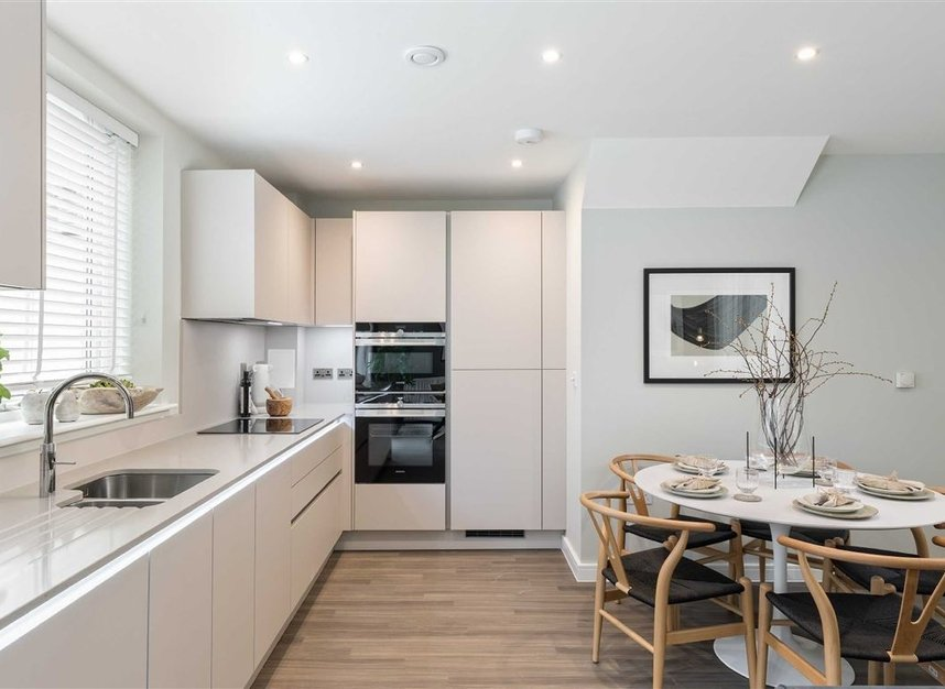 Properties for sale in Bollo Lane - W3 8QT view2
