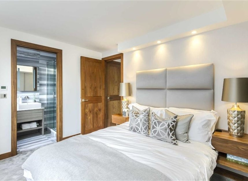 Properties for sale in Bourdon Street - W1K 3PX view6