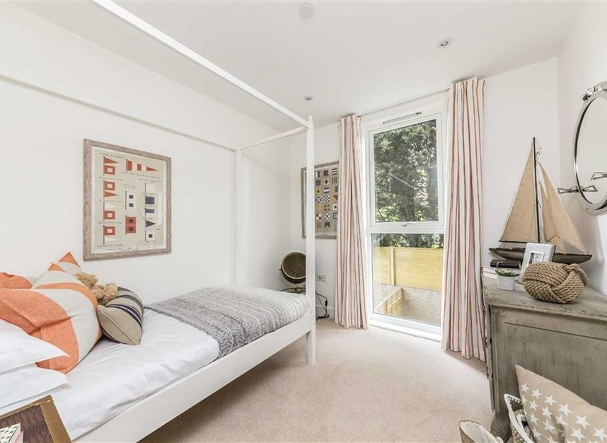 Properties for sale in Bourke Close - SW4 8ER view12