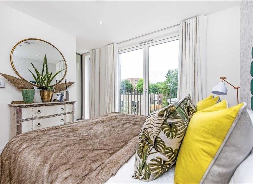 Properties for sale in Bourke Close - SW4 8ER view8