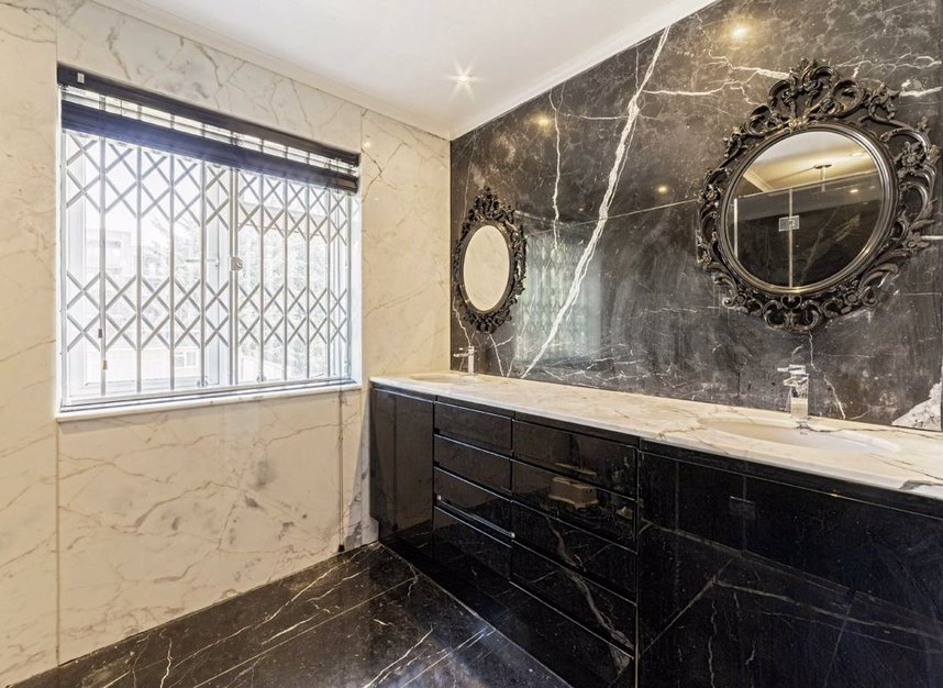 Properties for sale in Bowes Road - W3 7AD view6