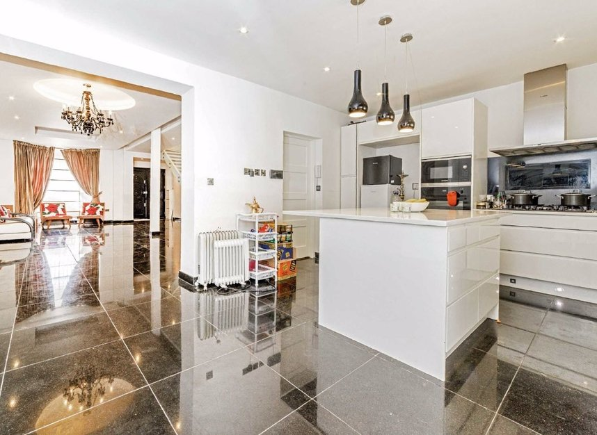 Properties for sale in Bowes Road - W3 7AD view4
