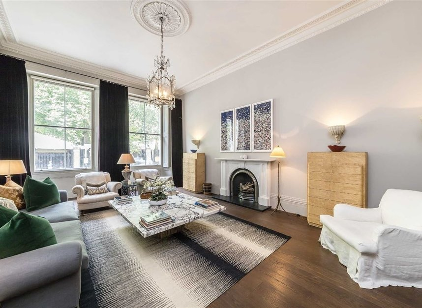 Properties for sale in Buckingham Gate - SW1E 6JP view6