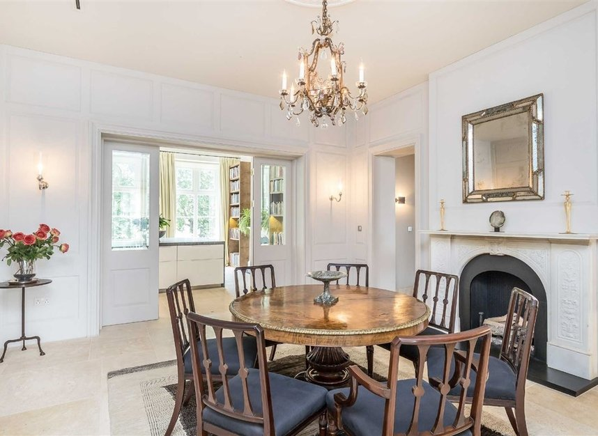 Properties for sale in Buckingham Gate - SW1E 6JP view5