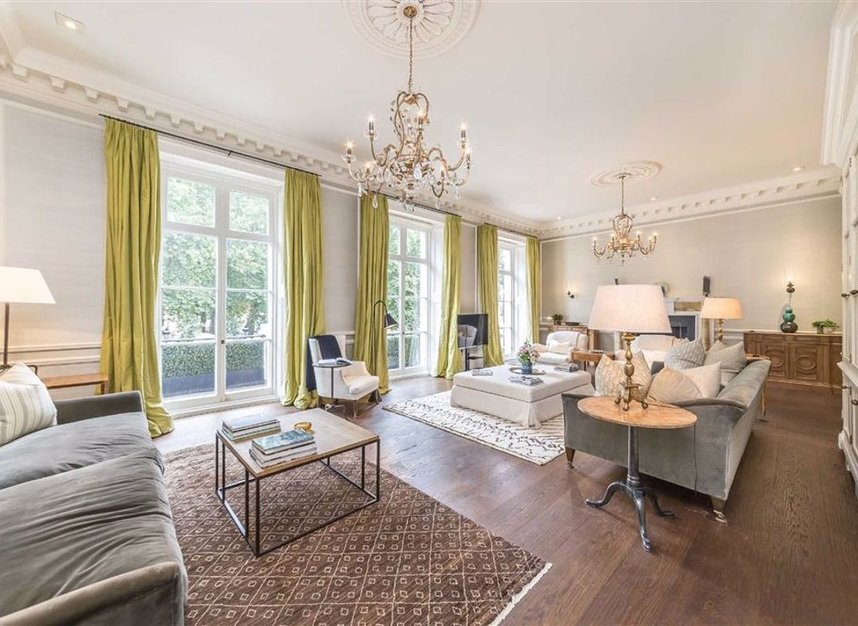 Properties for sale in Buckingham Gate - SW1E 6JP view2