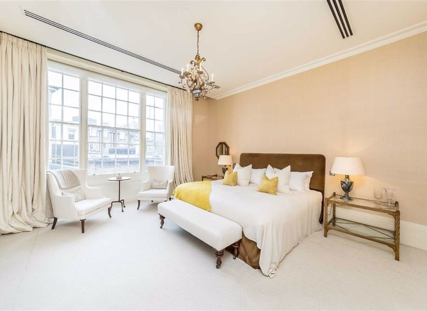 Properties for sale in Buckingham Gate - SW1E 6JP view7