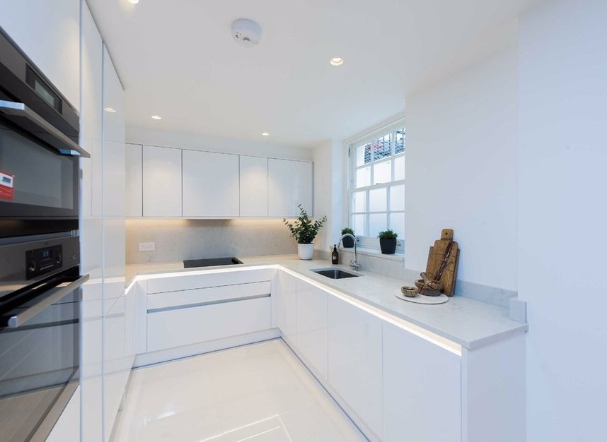 Properties for sale in Burnsall Street - SW3 3ST view4