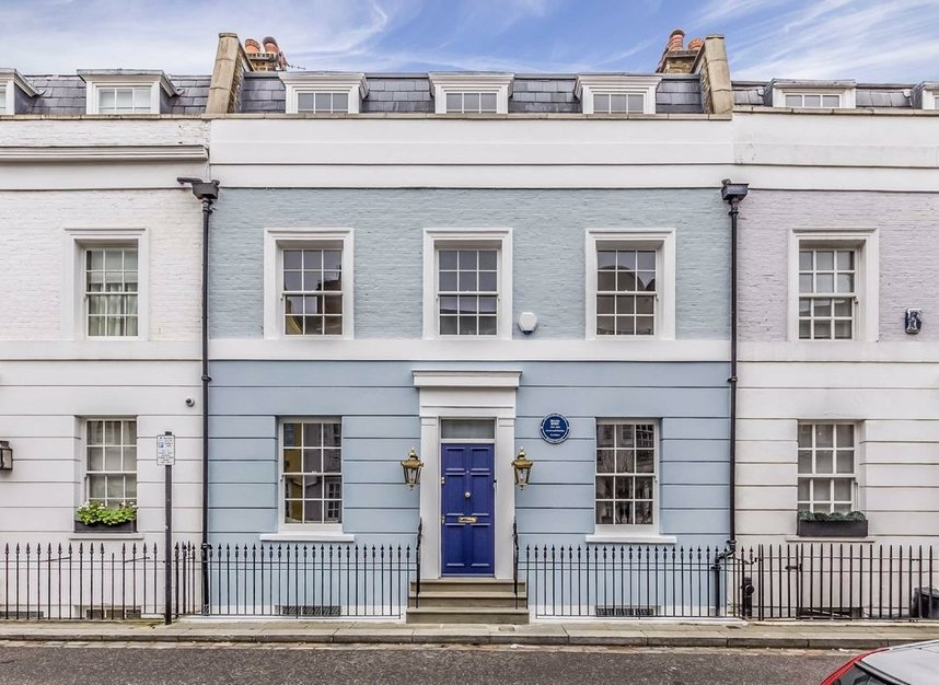 Properties for sale in Burnsall Street - SW3 3ST view1