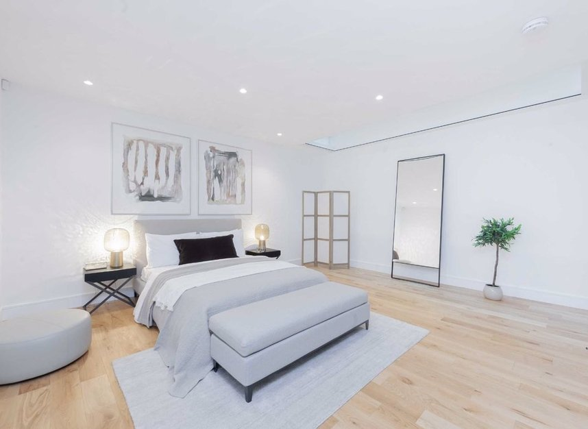 Properties for sale in Burnsall Street - SW3 3ST view5