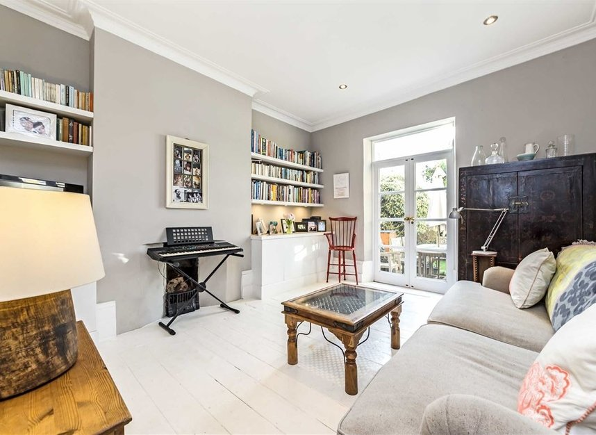 Properties for sale in Burtons Road - TW12 1DB view4