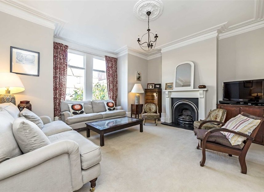 Properties for sale in Burtons Road - TW12 1DB view2