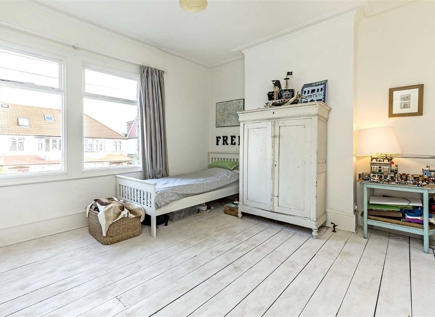 Properties for sale in Burtons Road - TW12 1DB view7