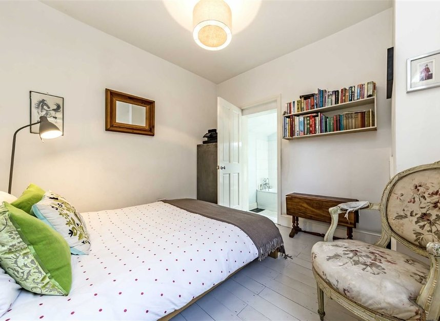 Properties for sale in Burtons Road - TW12 1DB view5
