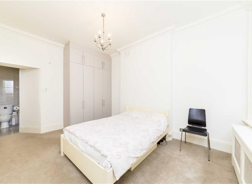 Properties for sale in Carlisle Place - SW1P 1HX view5