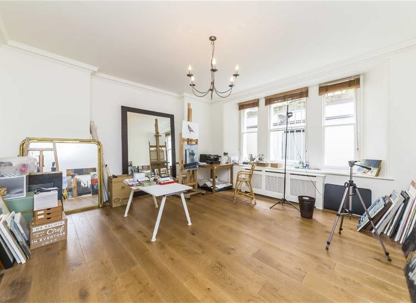 Properties for sale in Carlisle Place - SW1P 1HX view4