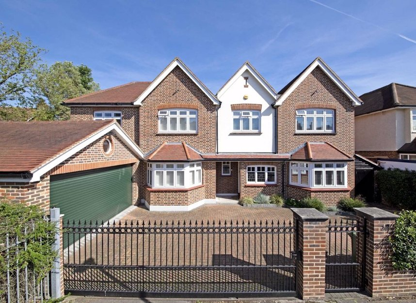 Properties sold in Carlisle Road - TW12 2UL view1