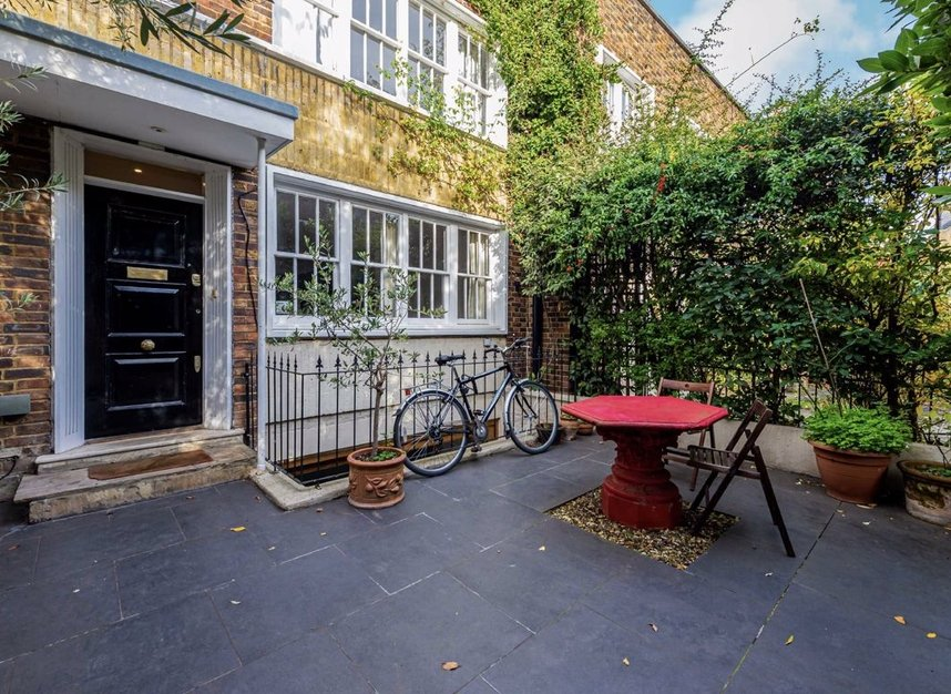 Properties for sale in Caroline Place - W2 4AW view1
