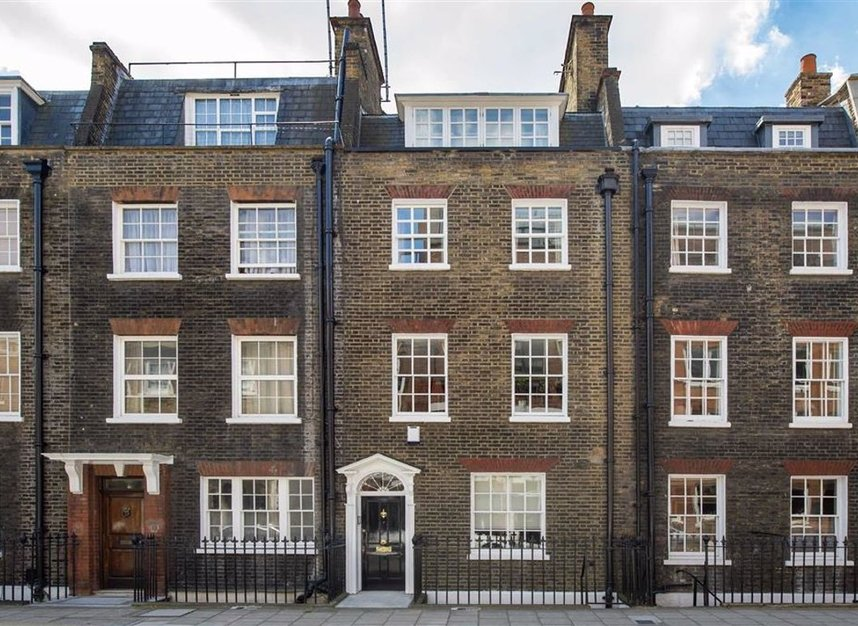 Properties for sale in Catherine Place - SW1E 6HL view1
