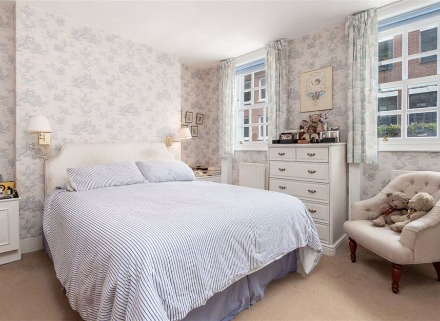 Properties for sale in Catherine Place - SW1E 6HL view5