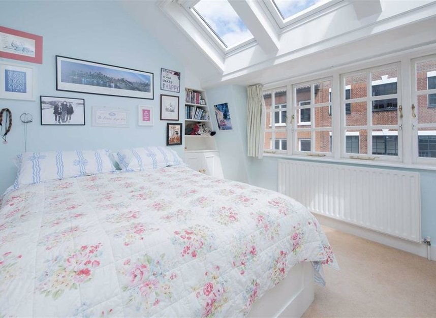 Properties for sale in Catherine Place - SW1E 6HL view6