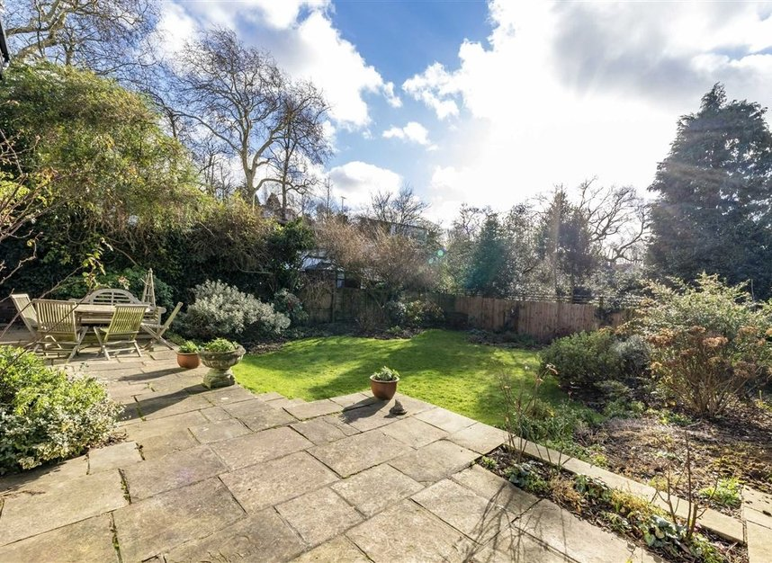 Properties sold in Cenacle Close - NW3 7UE view2