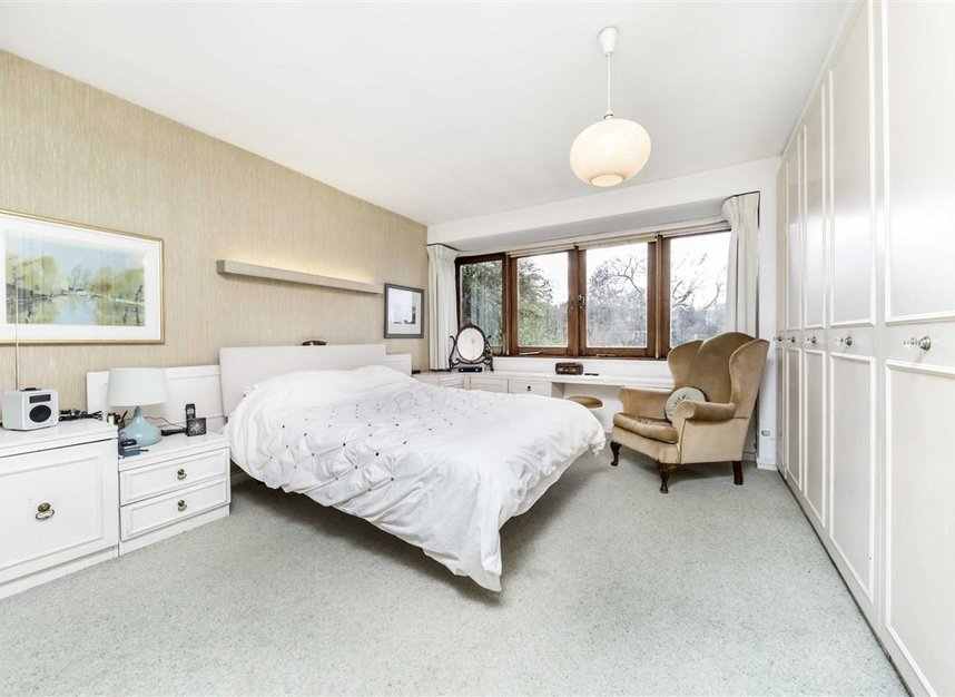 Properties sold in Cenacle Close - NW3 7UE view7