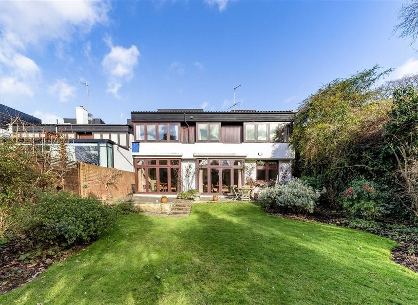 Properties sold in Cenacle Close - NW3 7UE view3