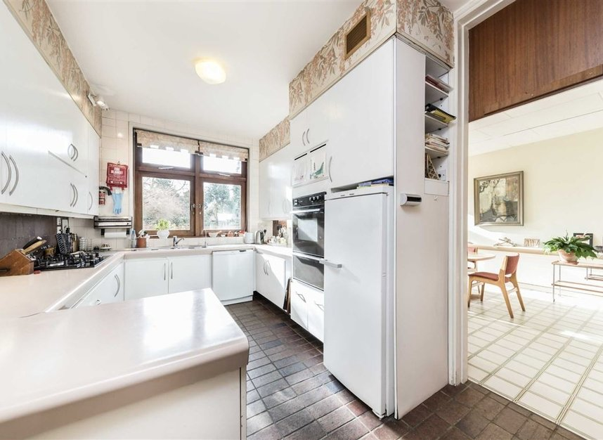 Properties sold in Cenacle Close - NW3 7UE view6