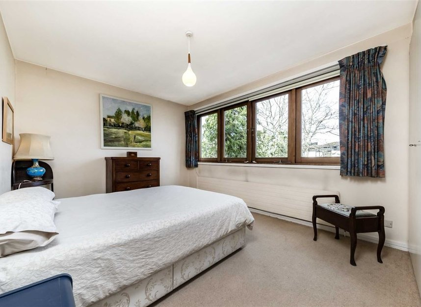 Properties sold in Cenacle Close - NW3 7UE view8