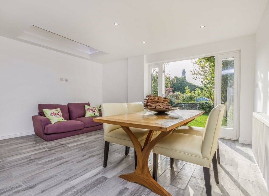 Properties for sale in Chaucer Road - W3 6DP view4