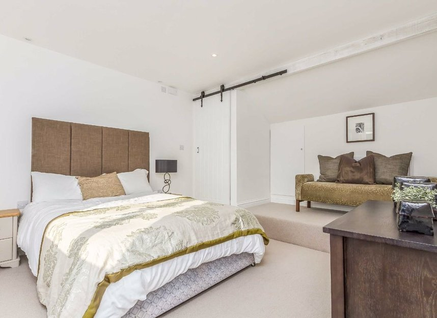 Properties for sale in Chaucer Road - W3 6DP view5
