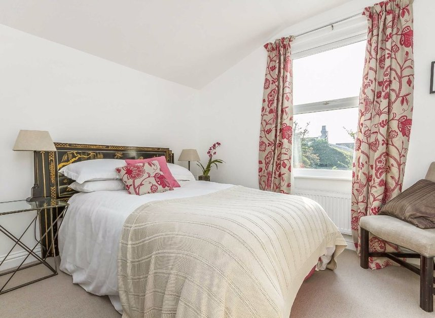 Properties for sale in Chaucer Road - W3 6DP view6
