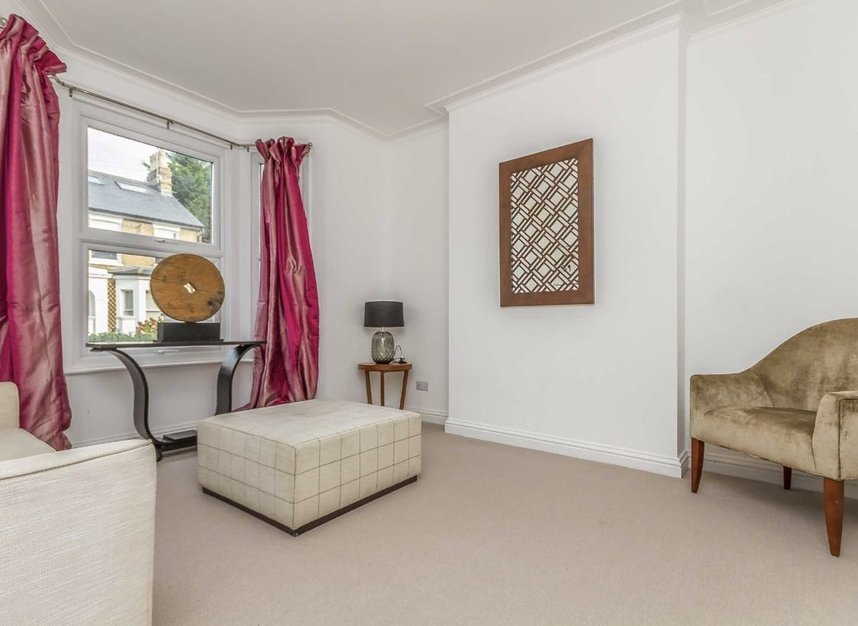 Properties for sale in Chaucer Road - W3 6DP view2