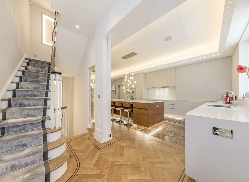 Properties for sale in Chester Street - SW1X 7BL view4
