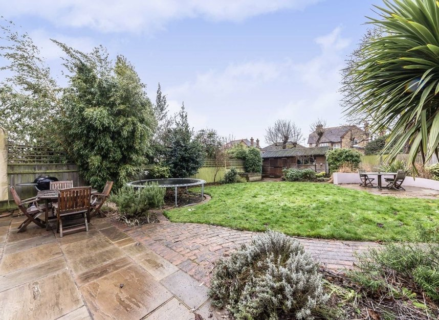 Properties for sale in Chestnut Avenue - TW12 2NY view8