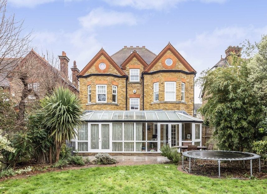 Properties for sale in Chestnut Avenue - TW12 2NY view9
