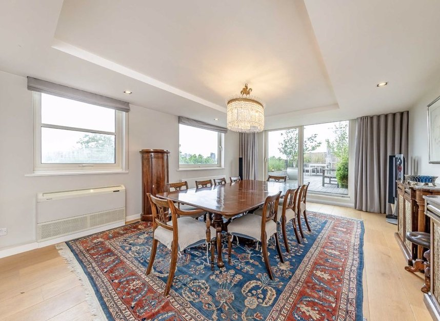 Properties for sale in Cheyne Walk - SW3 5HN view3