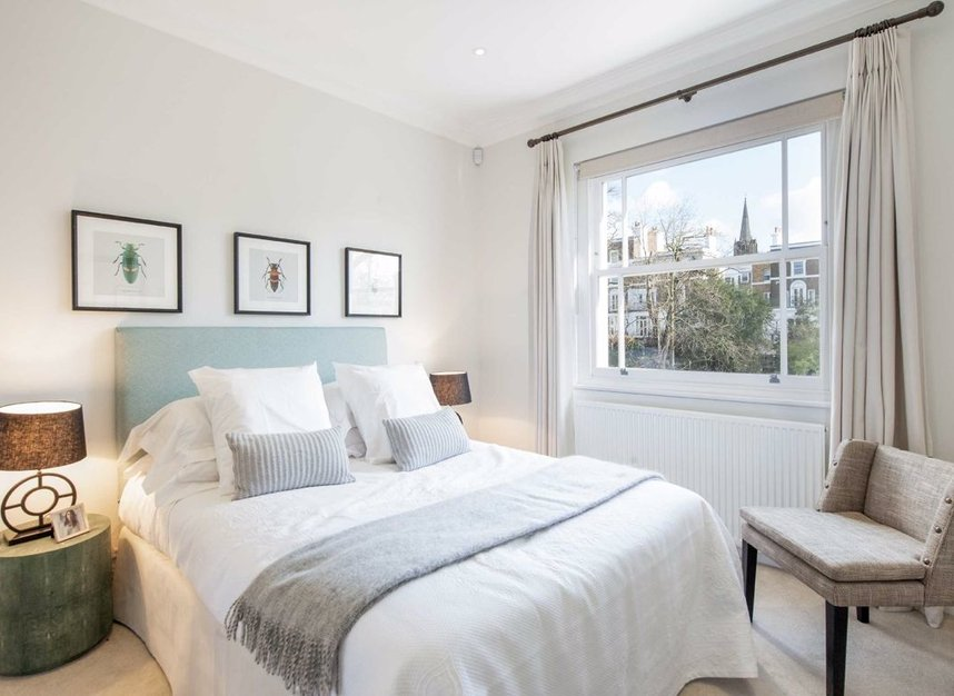 Properties for sale in Clarendon Road - W11 3AD view8