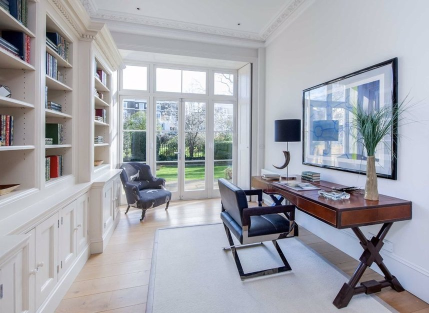 Properties for sale in Clarendon Road - W11 3AD view5