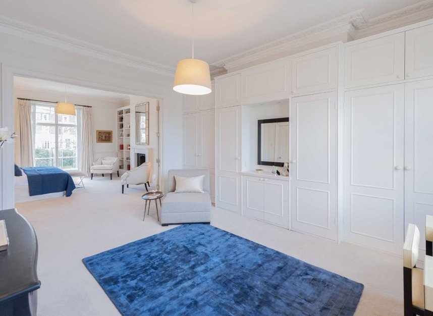 Properties for sale in Clarendon Road - W11 3AD view6
