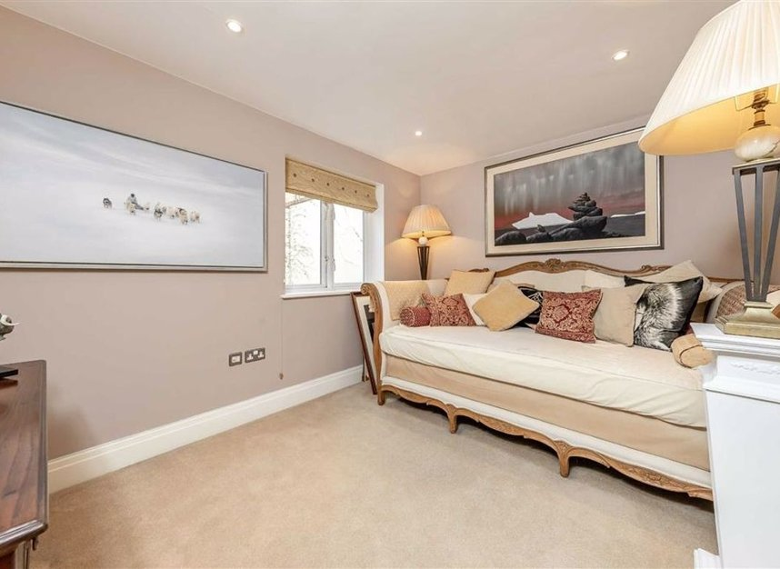 Properties sold in Conduit Mews - W2 3RE view7