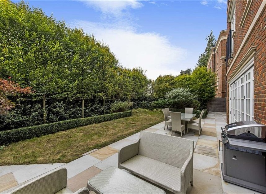 Properties for sale in Copse Hill - SW20 0NJ view9