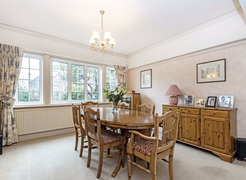 Properties for sale in Courtlands Avenue - TW12 3NT view3